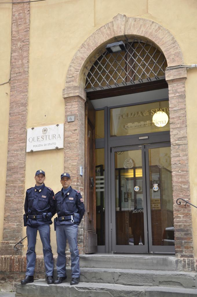 Polizia In Provincia Di Siena Nel 2017 Oltre 10mila I Permessi Di