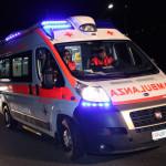feriti padre e figlio ambulanza_118_siena incidente per sorpasso spericolato