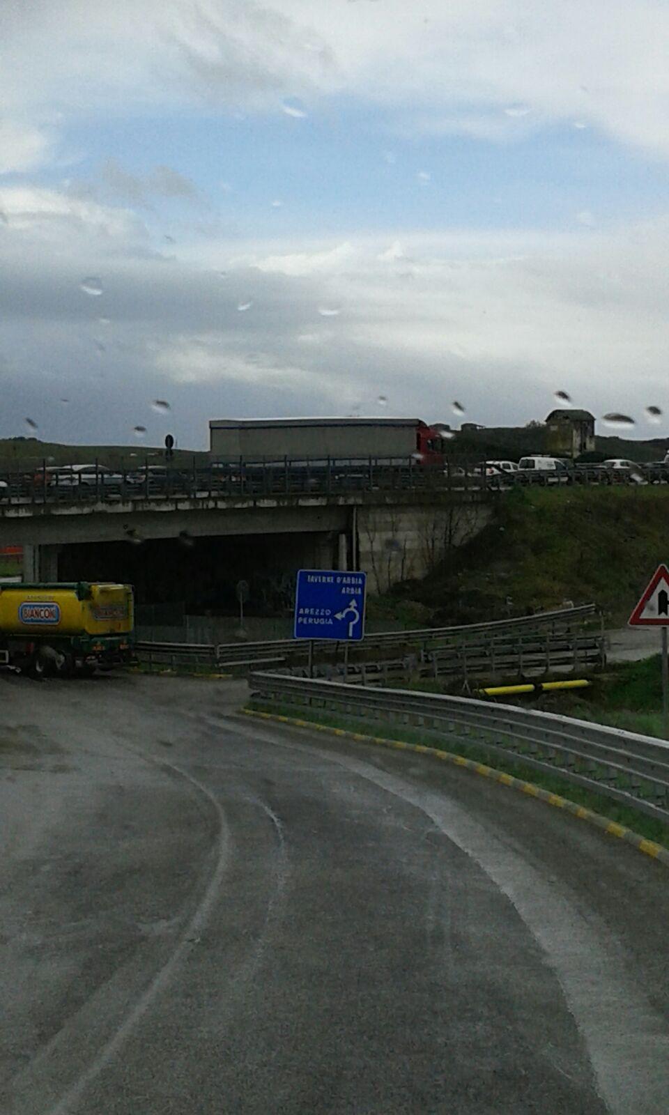 Caos traffico, in fila da Castelnuovo a Siena