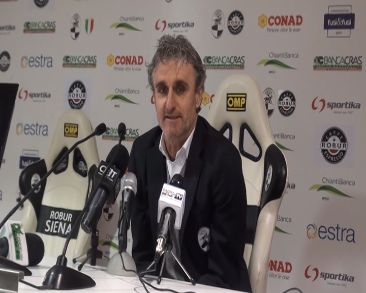 Maceratese-Robur Siena 4-2. Disfatta bianconera