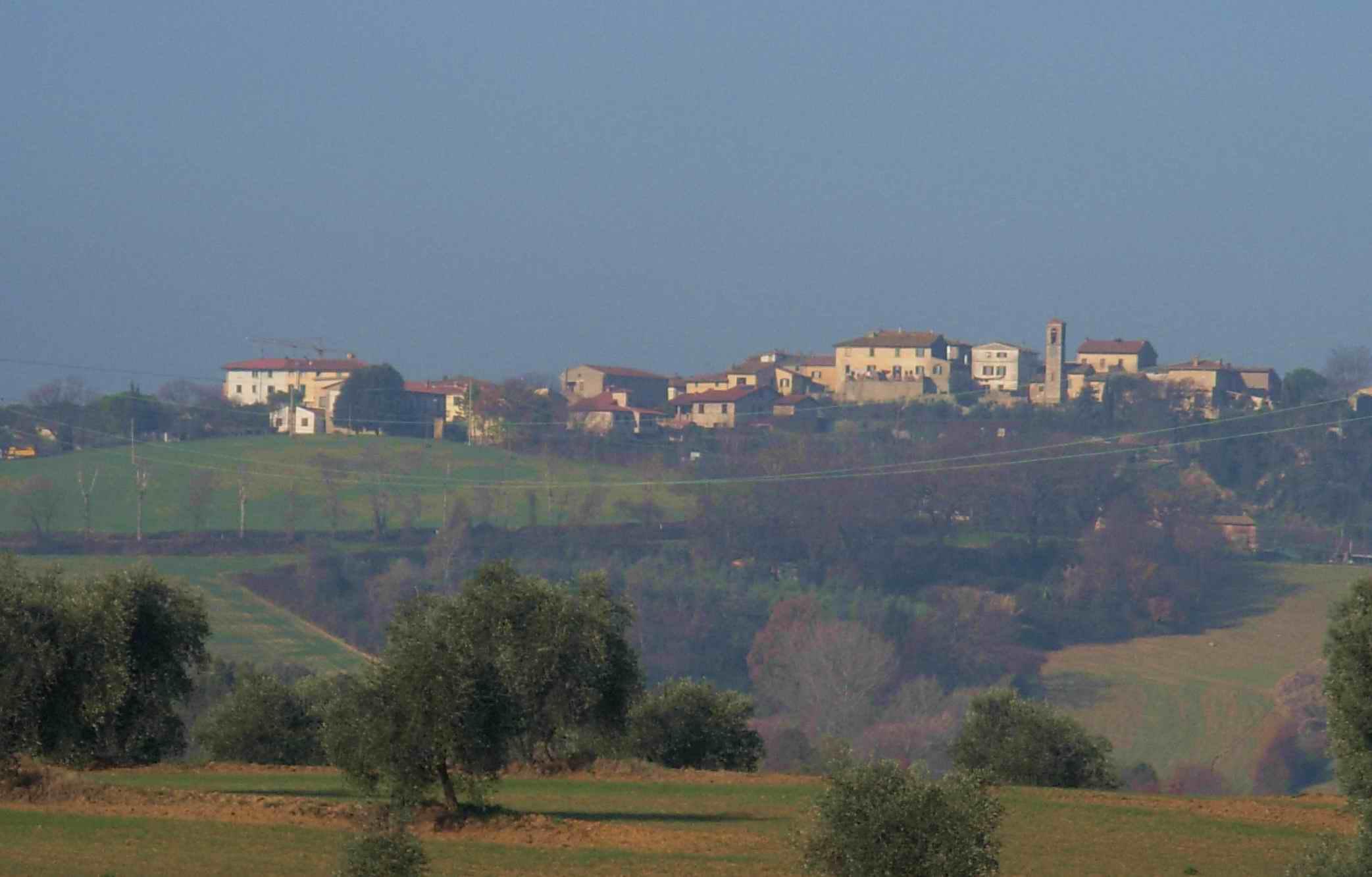 Incidente a Castel San Gimignano, coinvolto scuolabus