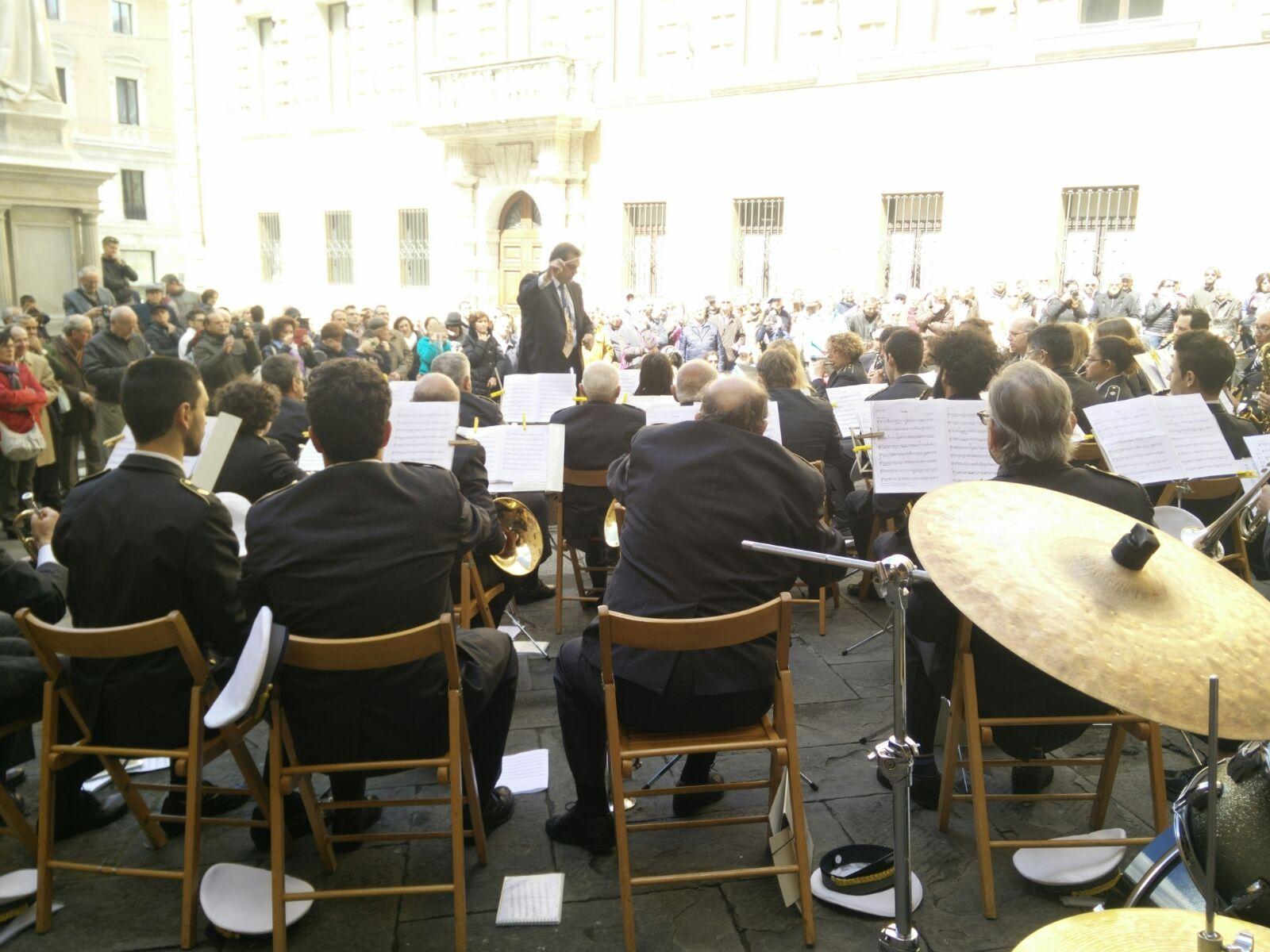 Applausi per il concerto della Banda Città del Palio