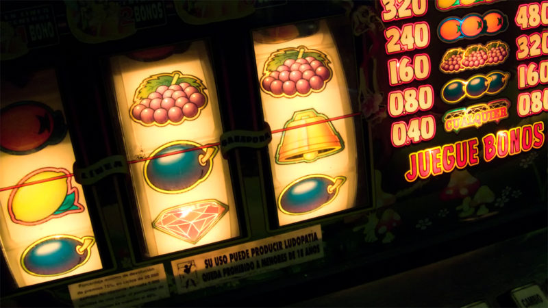 Locali pubblici a Siena, nuove misure per contrastare il gioco d'azzardo