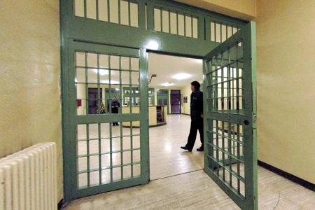 Carcere di Ranza, detenuto aggredisce 4 agenti di Polizia. La rabbia dei sindacati
