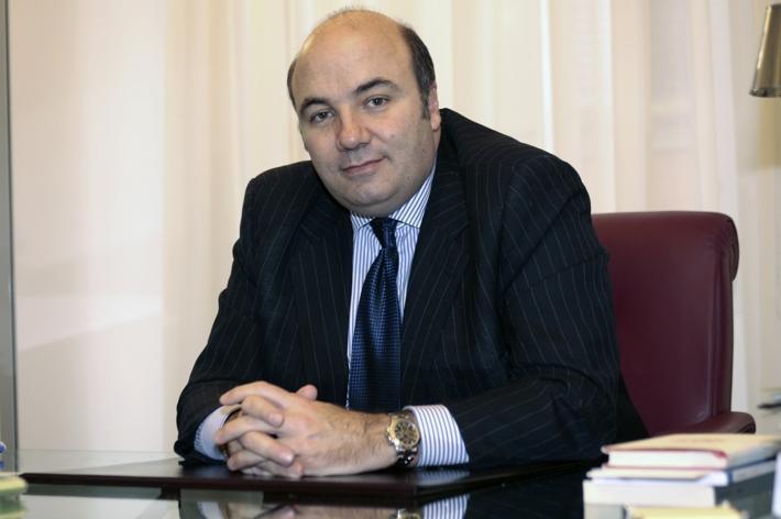 Viola prevede la chiusura di 350 filiali