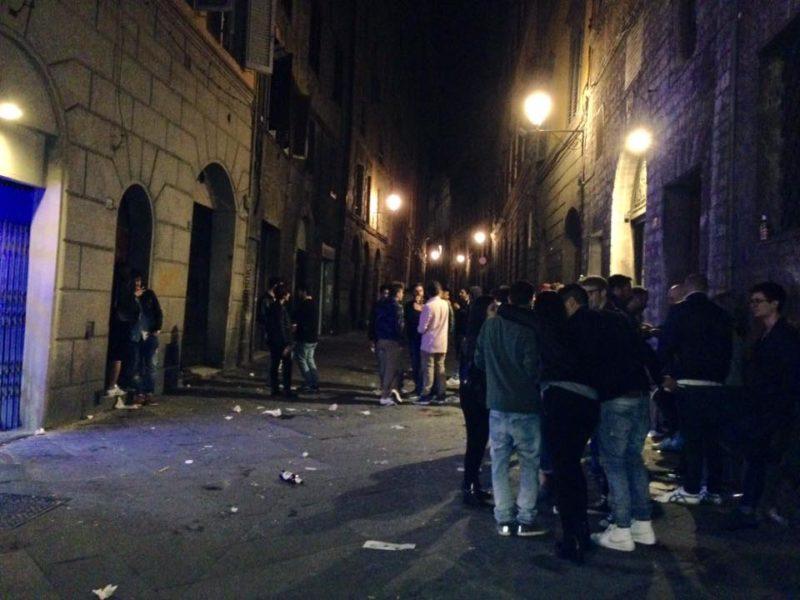 Notte calda nella bolgia di Pantaneto: furto, inseguimento e identificazioni