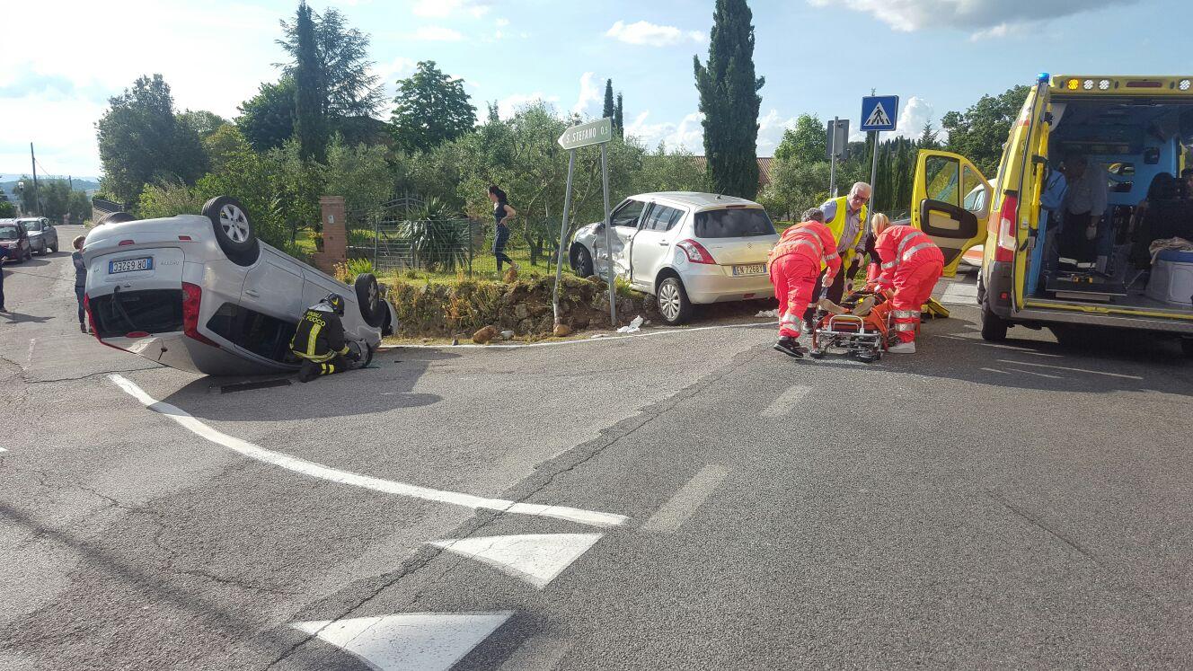 Grave incidente, ferite quattro donne