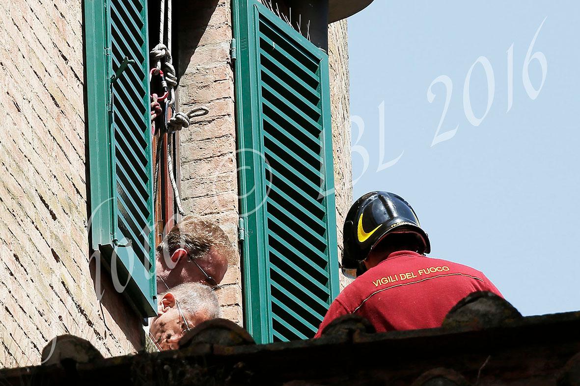 Simulazione della caduta di David Rossi, parlano avvocati e perito – LE FOTO