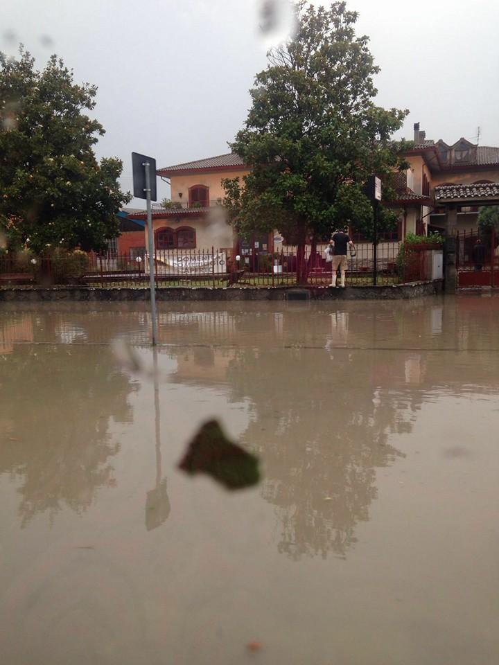Bomba d'acqua in Valdichiana: grandine, allagamenti e strade chiuse