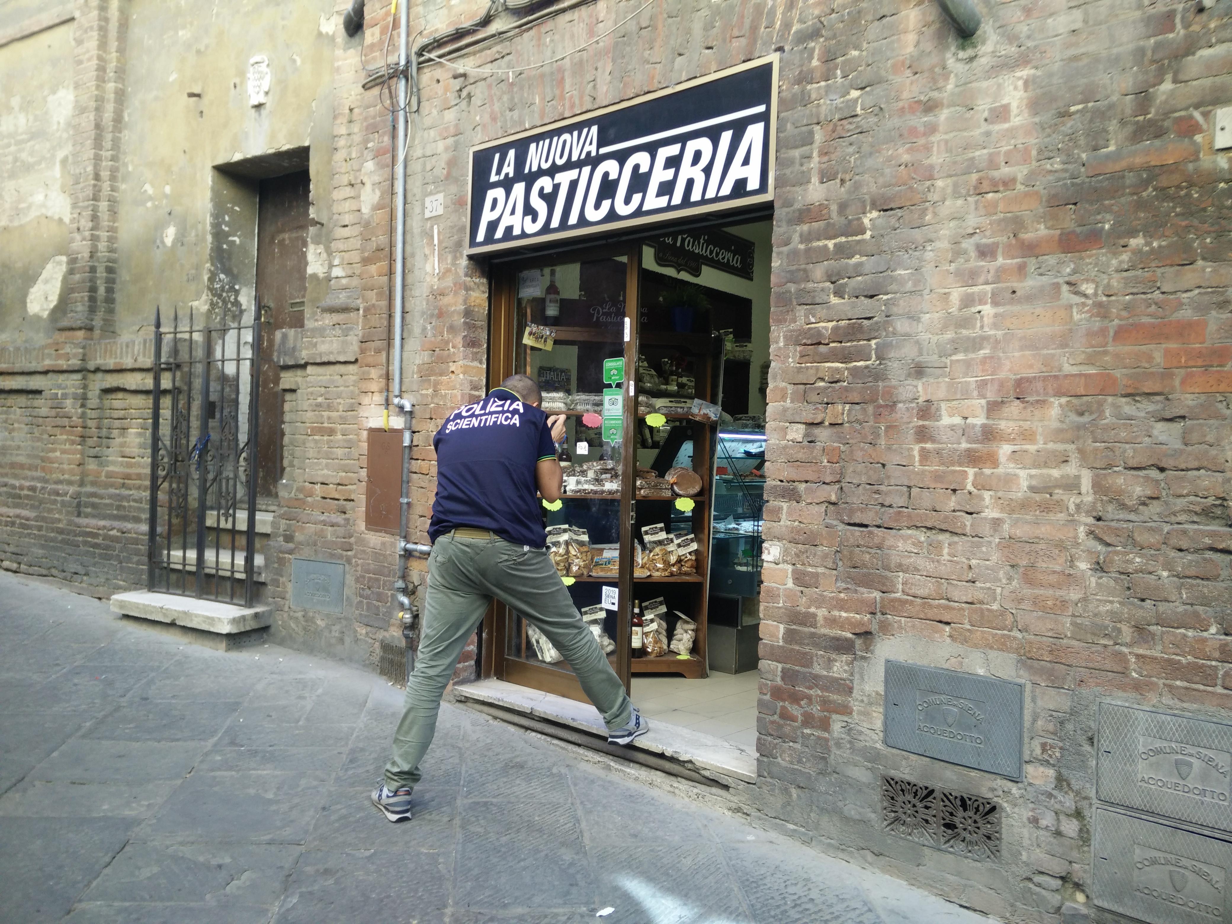 Ancora furti nei negozi del centro storico