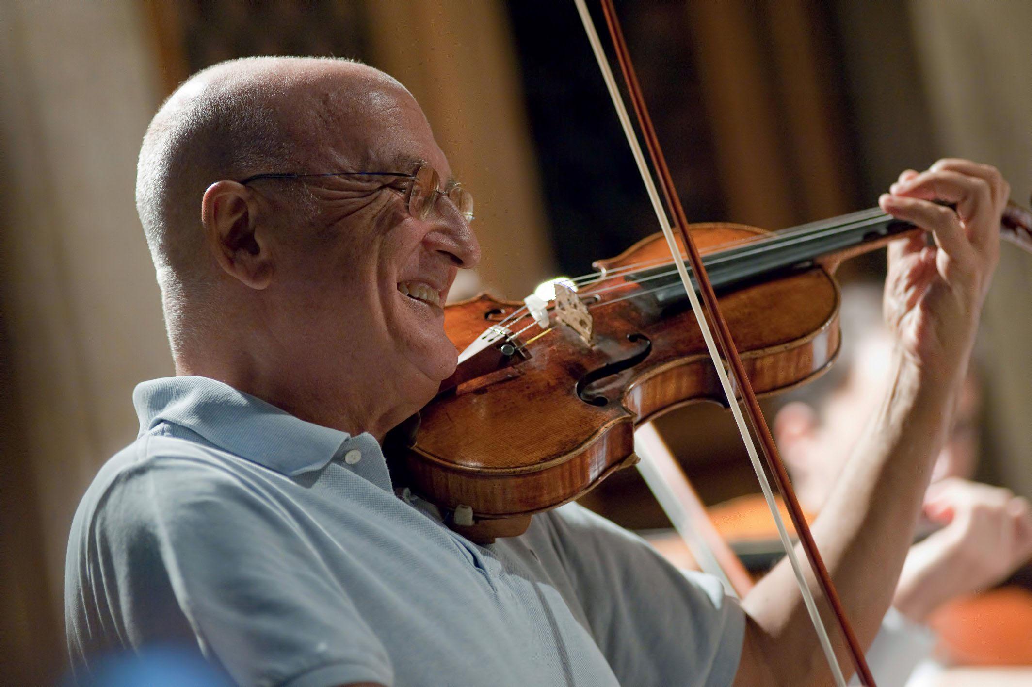 Accademia Chigiana, concerto dei violinisti allievi di Salvatore Accardo