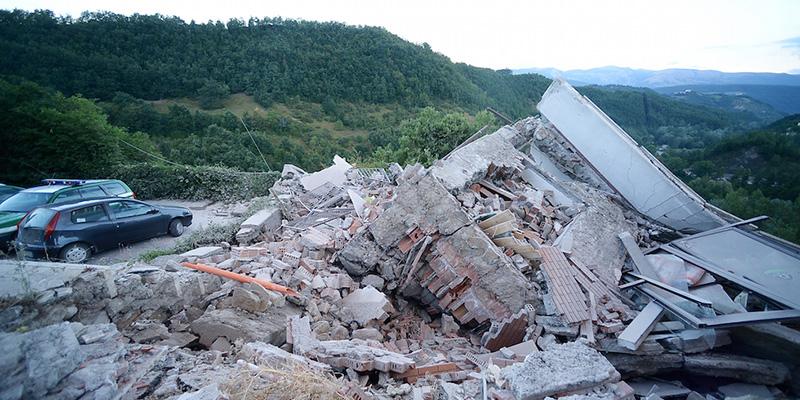 """Terremoto, Lusini (Siena Soccorso): """"E' ancora piena emergenza. Raccolte di materiale? Non adesso, ci sarà tempo"""""""