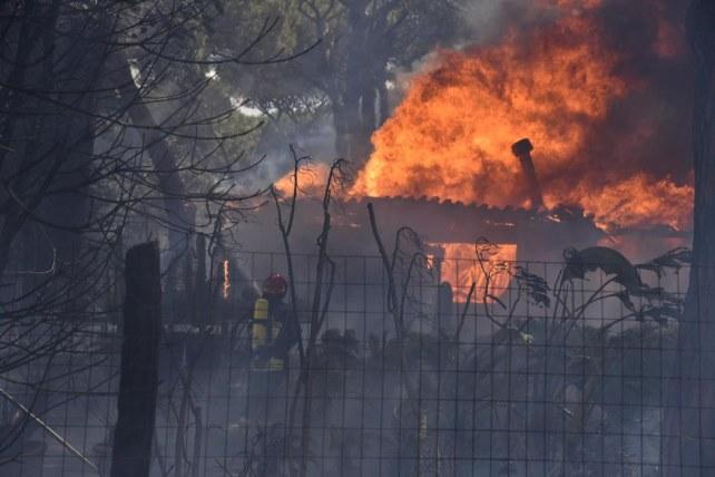 Brucia fabbrica di vernici a Poggibonsi