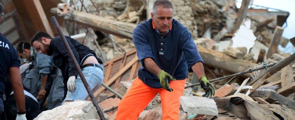 Terremoto nella notte: scosse anche nel senese, nessun danno