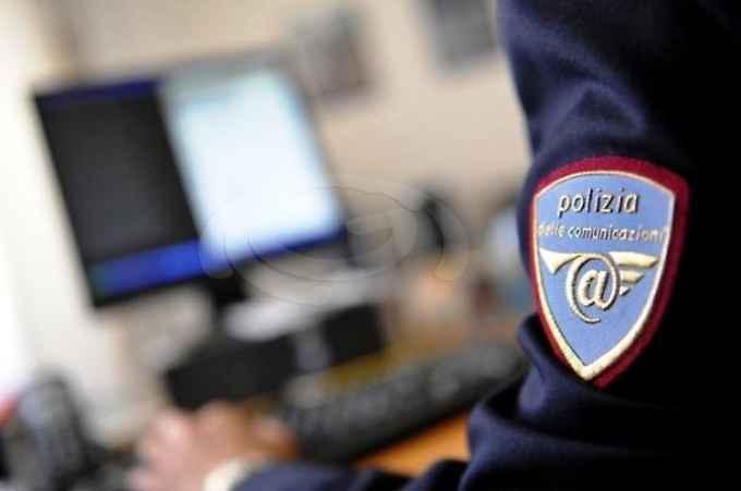 Rischio truffe durante lo shopping natalizio online: il vademecum della Polizia