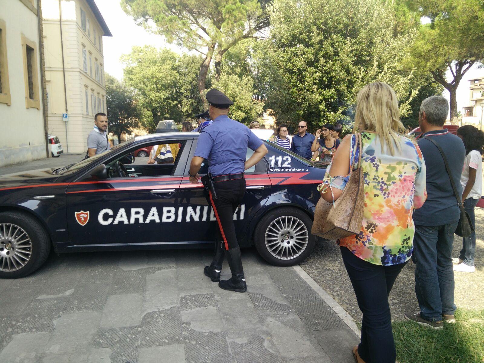 """Caos insegnanti: """"Le graduatorie non sono corrette"""" e arrivano i carabinieri"""