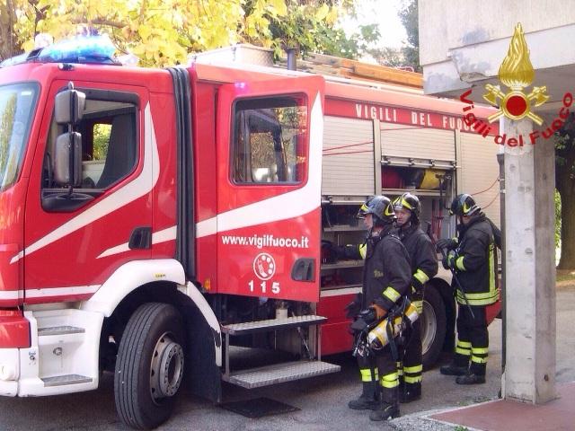 Incendio alla Ruffino, squadre al lavoro a Monteriggioni
