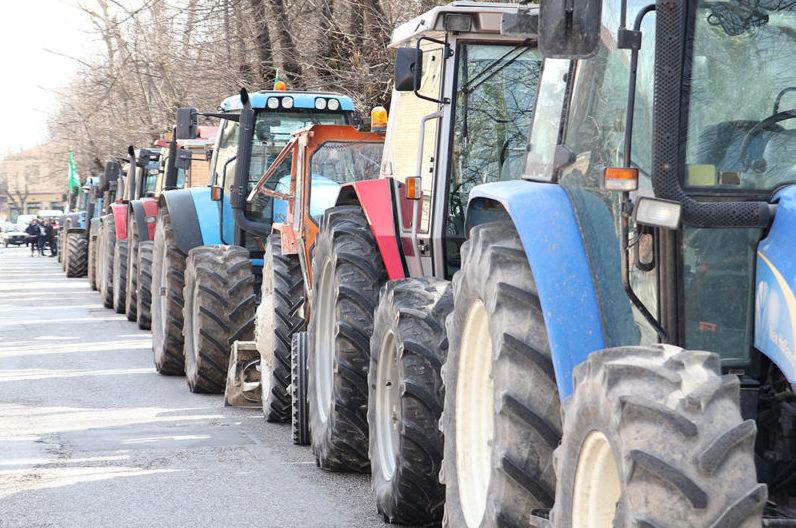 Siglato a Siena il nuovo contratto provinciale di lavoro per gli operai agricoli