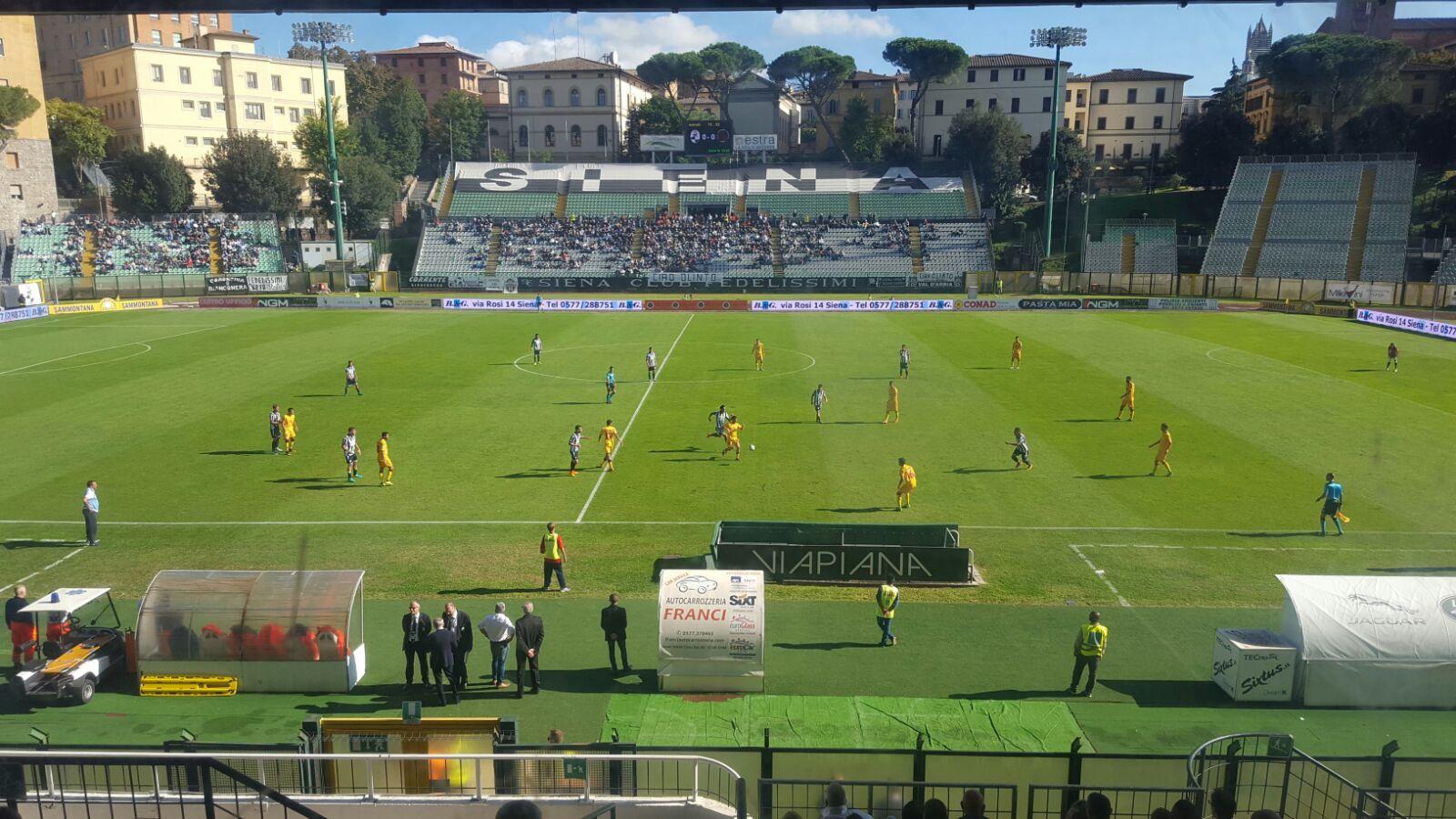 Serie B, che caos: la Lega vara il calendario senza l'ok della Figc e rischia il commissariamento