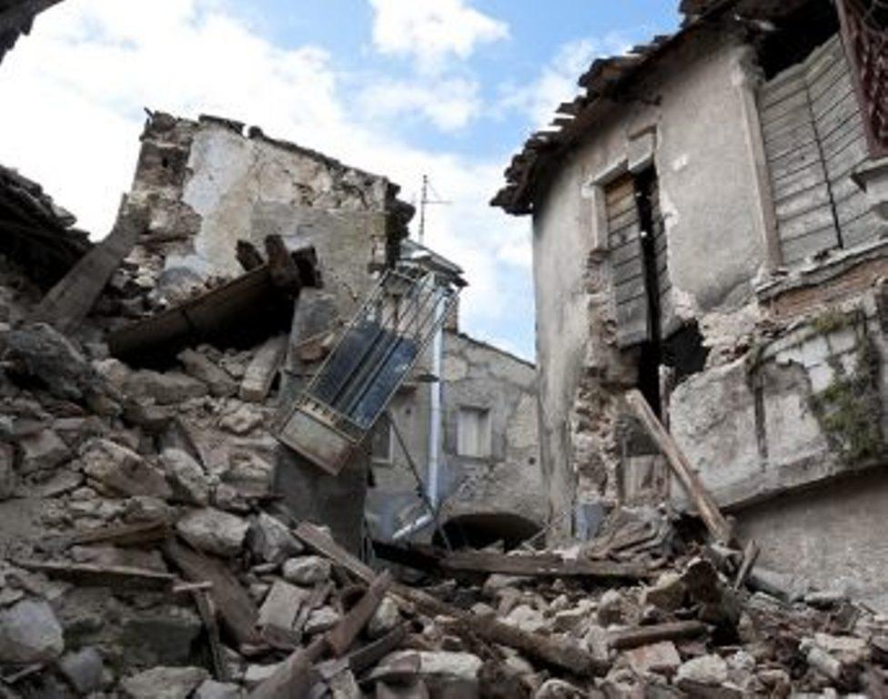 """Il """"Babbo Natale della Misericordia"""" consegnerà i regali donati dai bambini di tutte le contrade ai piccoli abitanti delle zone colpite dal sisma"""
