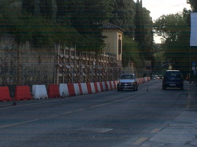 Muro pericolante in via fiorentina due anni senza nessun for Muro robur