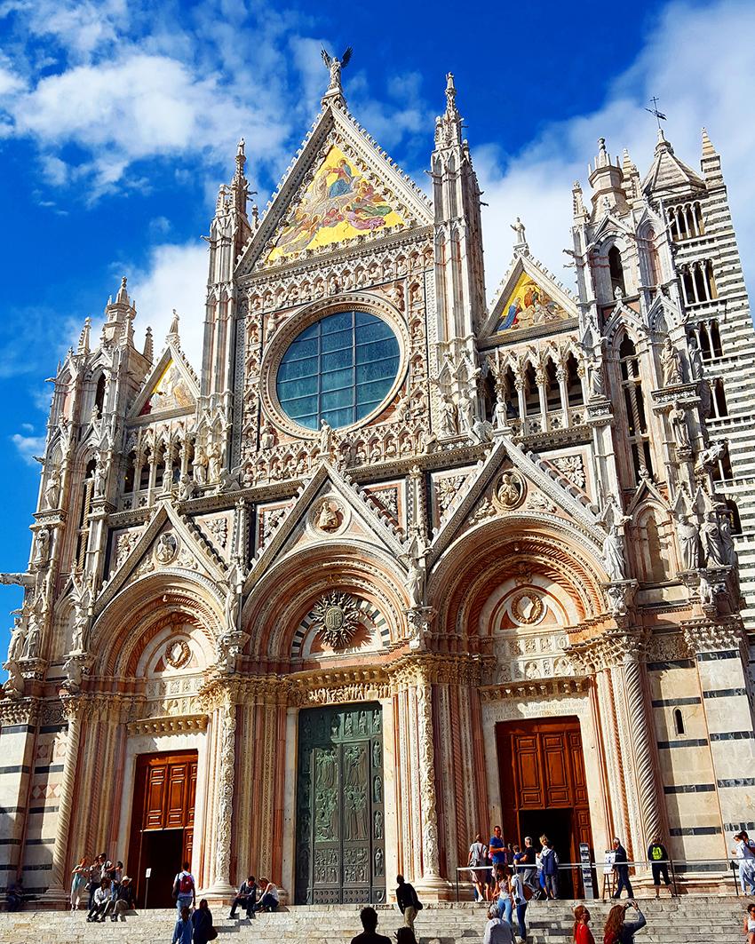 Duomo di Siena, la scrittrice Isabelle Miller svela i segreti della cattedrale incompiuta