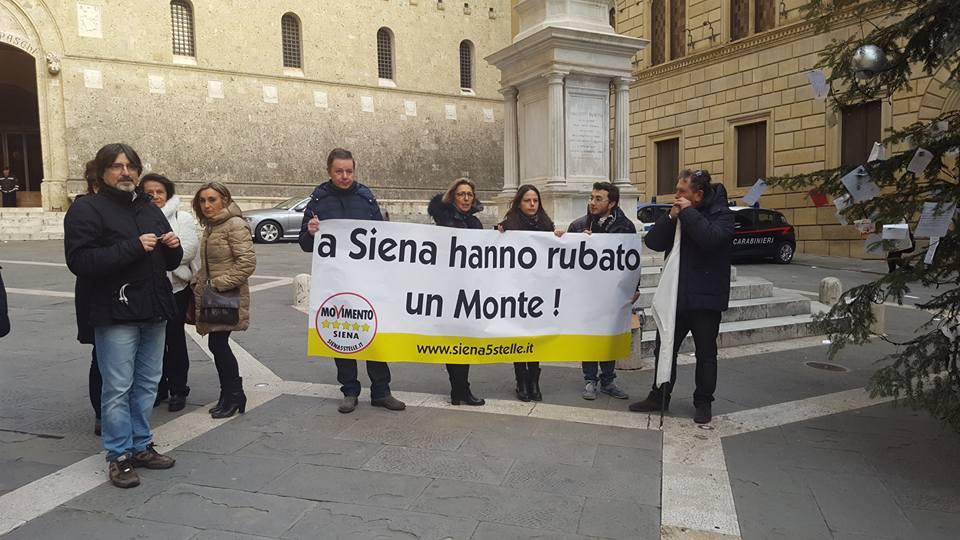 Cinque Stelle, flash mob senza Beppe Grillo e parlamentari