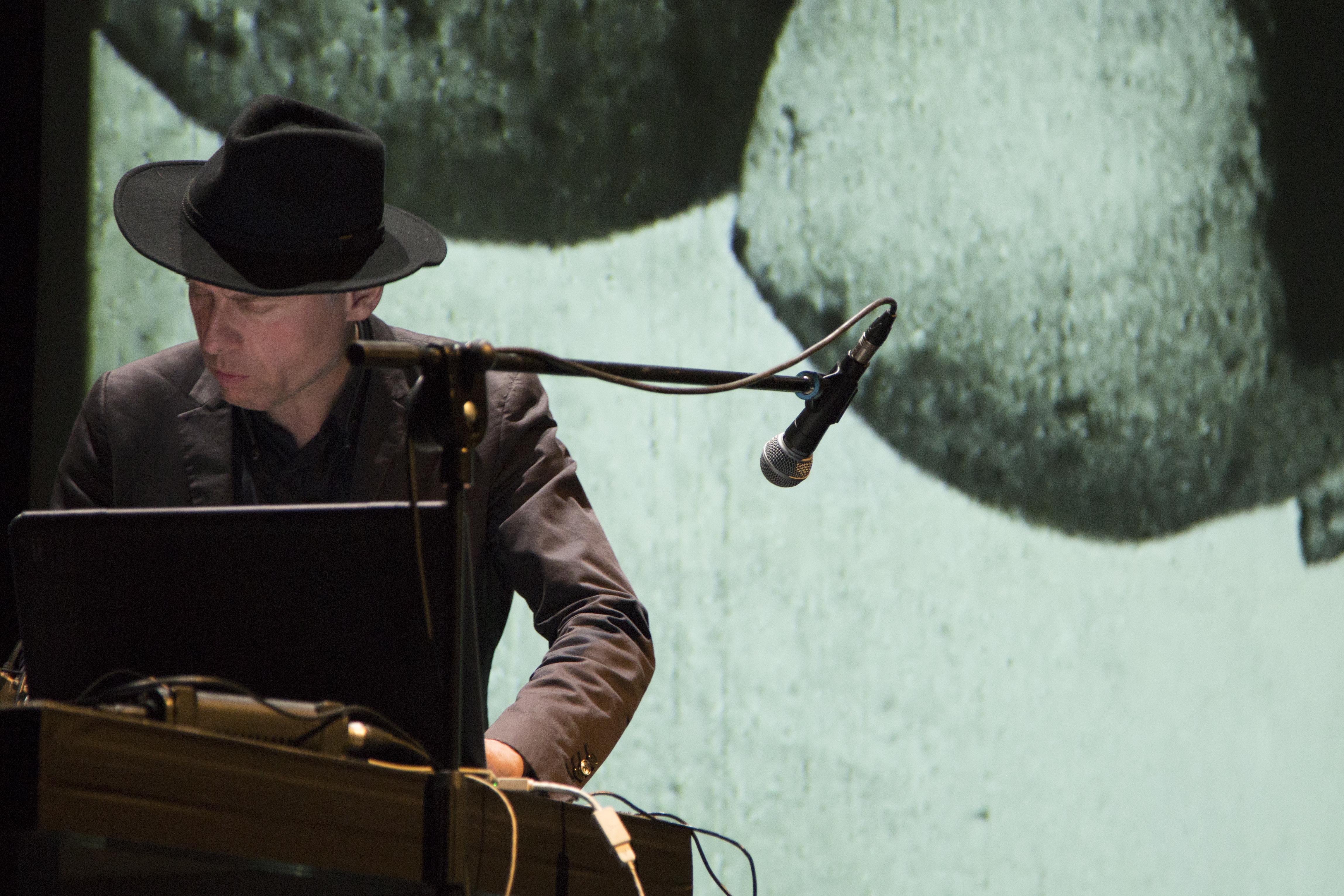 La performance di Roberto Paci Dalò tra gli appuntamenti collaterali alla mostra sulla Grande Guerra