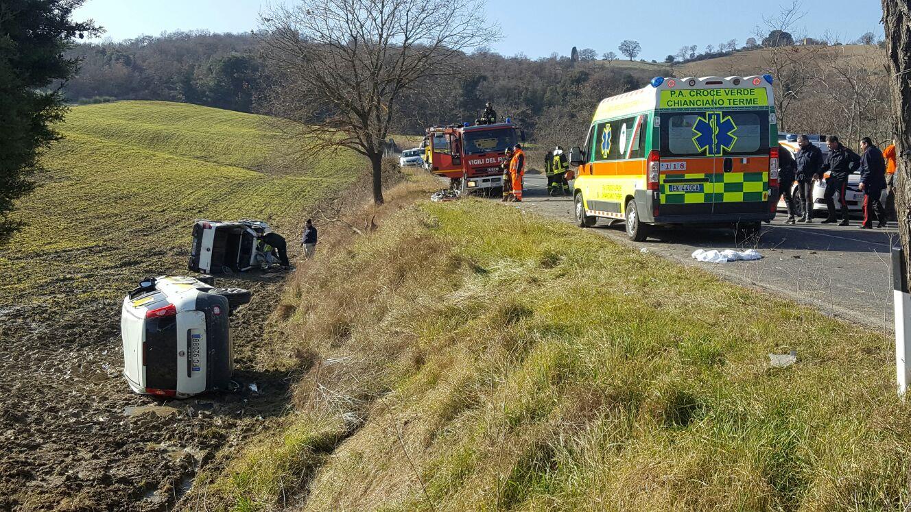 Incidente sulla Cassia, coinvolta auto della Posta – LE FOTO