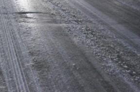 strada-ghiaccio-e-neve