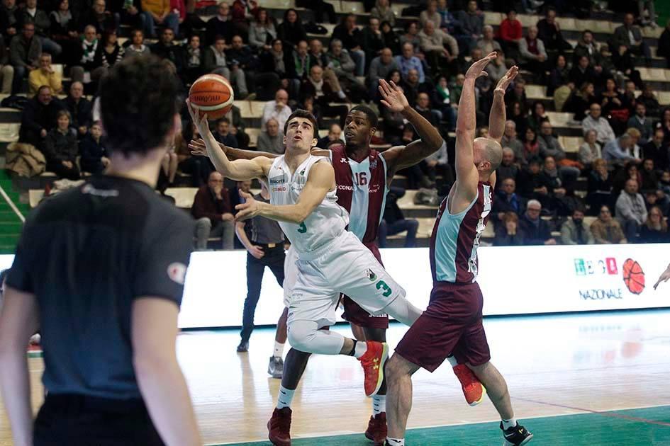 Mens Sana Battuta ad Agropoli in un finale incandescente