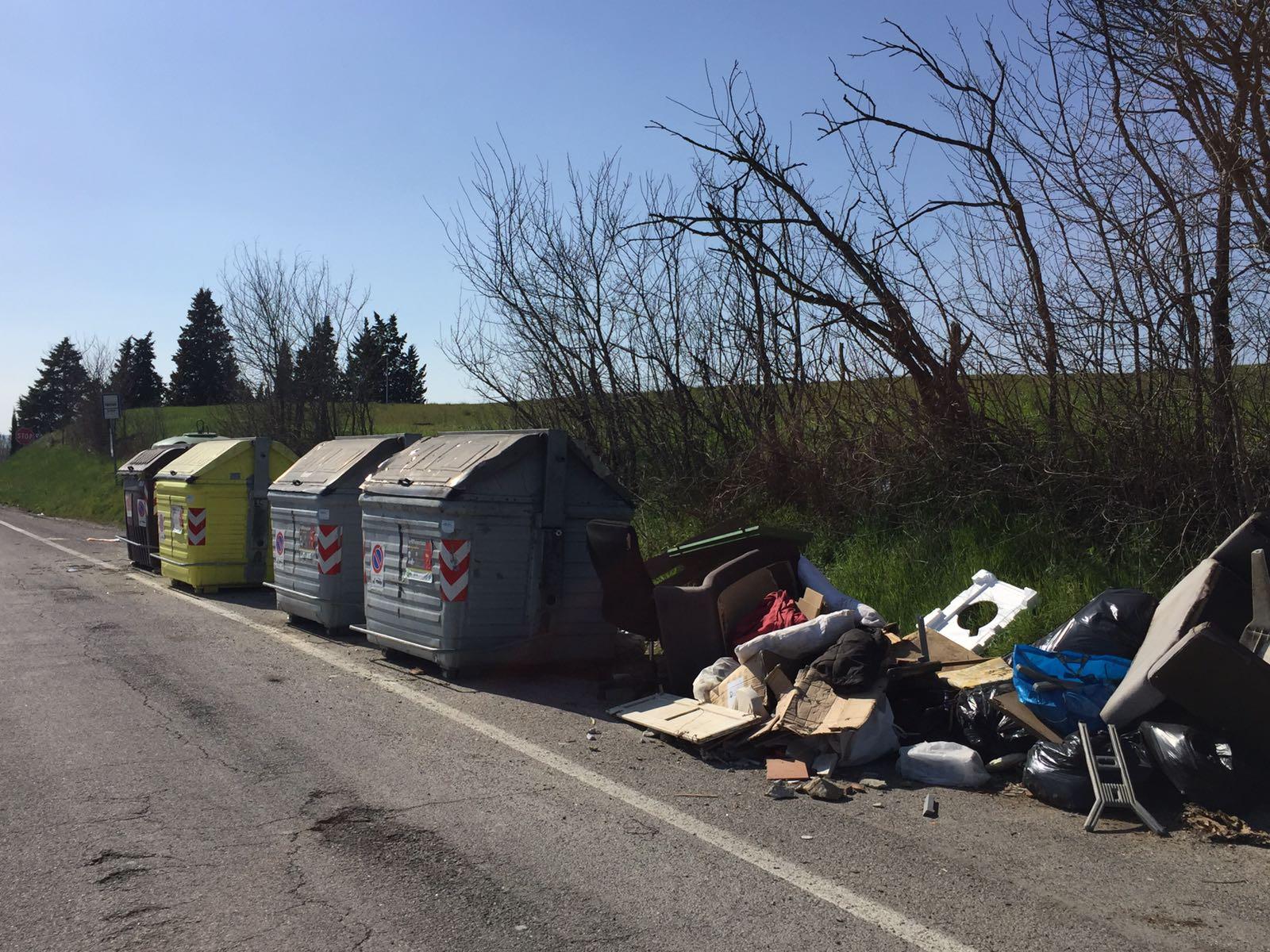 Poggibonsi conferimento rifiuti prime infrazioni for Conferimento rifiuti