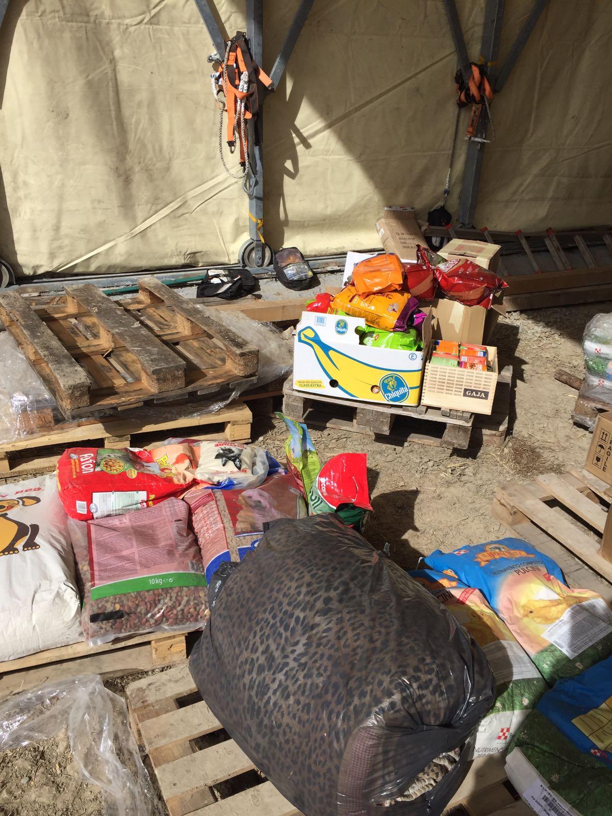 Arrivato a destinazione il materiale raccolto a Siena per gli animali delle zone terremotate