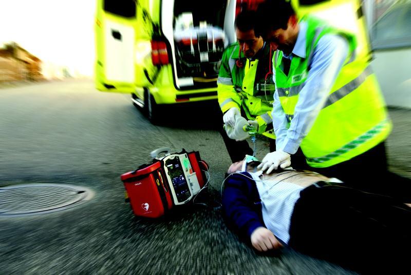 """""""Sidecar"""", un contributo di ChiantiBanca per ampliare la rete di defibrillatori"""