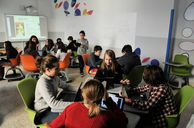 """""""La scuola a testa in giù"""", esperienze e strategie a confronto all'Istituto Sarrocchi di Siena"""
