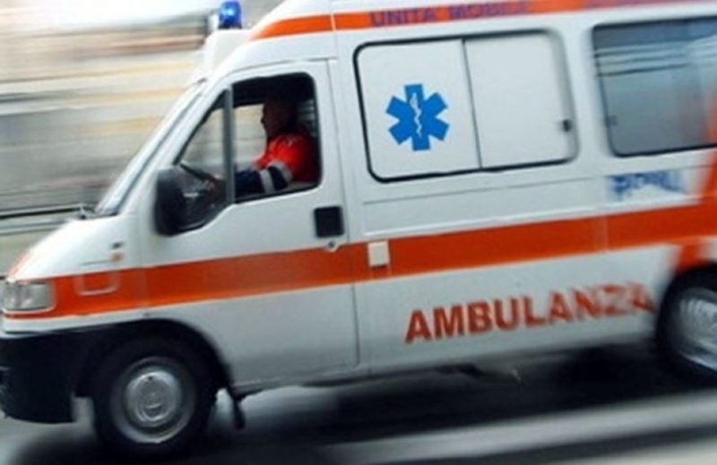 Bambino si sente male in pieno centro, il 118 gli salva la vita