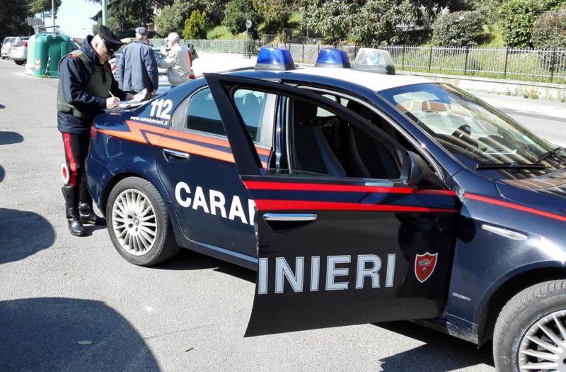 L'autista parla del suo test coronavirus, i passeggeri del bus vanno nel panico: arrivano i carabinieri