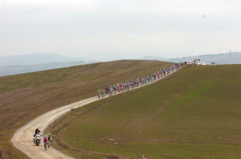 """Tra un mese al via la mitica """"Eroica"""": in sella oltre 7mila ciclisti"""