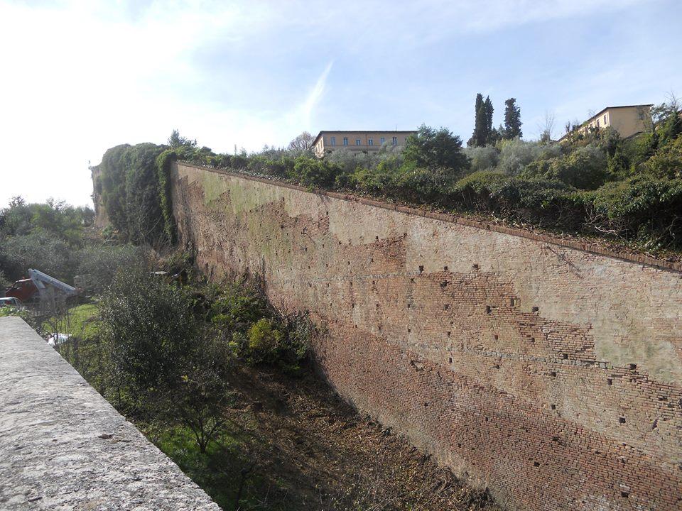 Al via i lavori per il recupero della cinta muraria tra Porta Pispini e Porta Romana