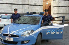 polizia attore distratto dimentica valigia