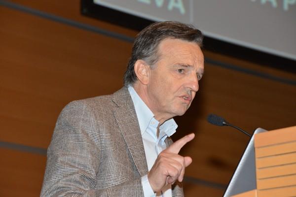 Camillo Bortolato per la prima volta a Sienaper raccontare il suo metodo analogico