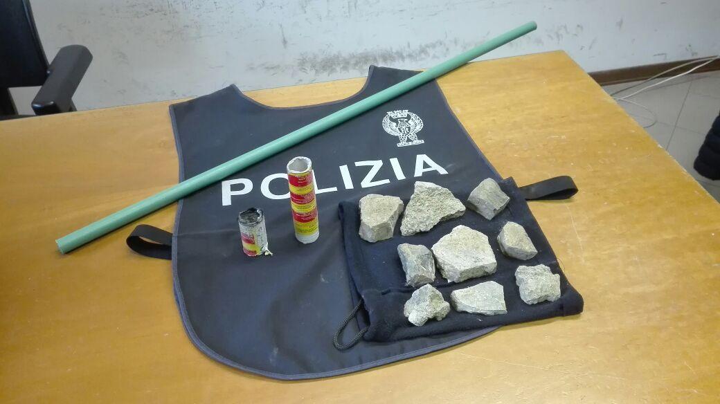 Tifoso del Napoli cerca di accoltellare ultras milanista: arrestato