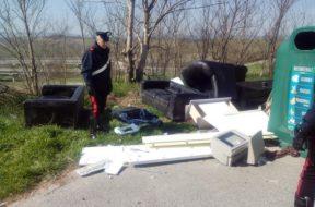 rifiuti carabinieri