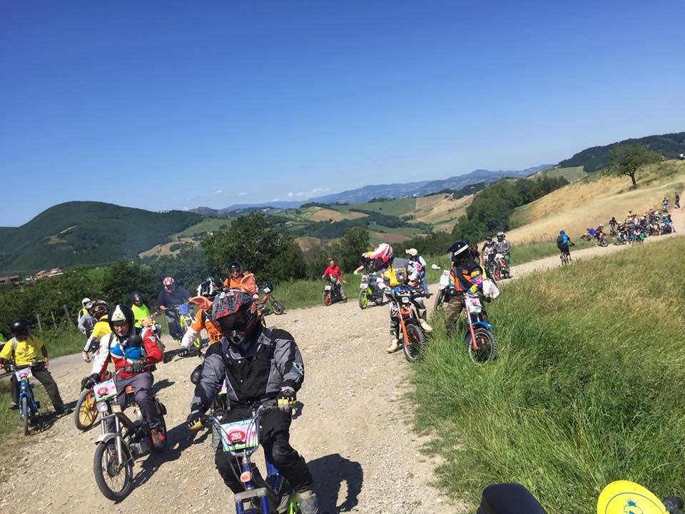 Ciclomotori di tutta Italia nelle crete senesi per la Monferraglia