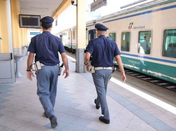 Donna di 45 anni muore investita da un treno