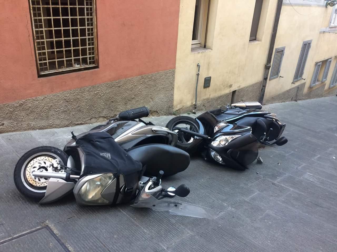 Strage di motorini nel centro storico