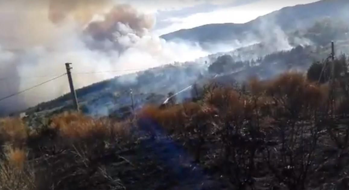 E' ancora allarme incendio: centoventi evacuati a Piancastagnaio