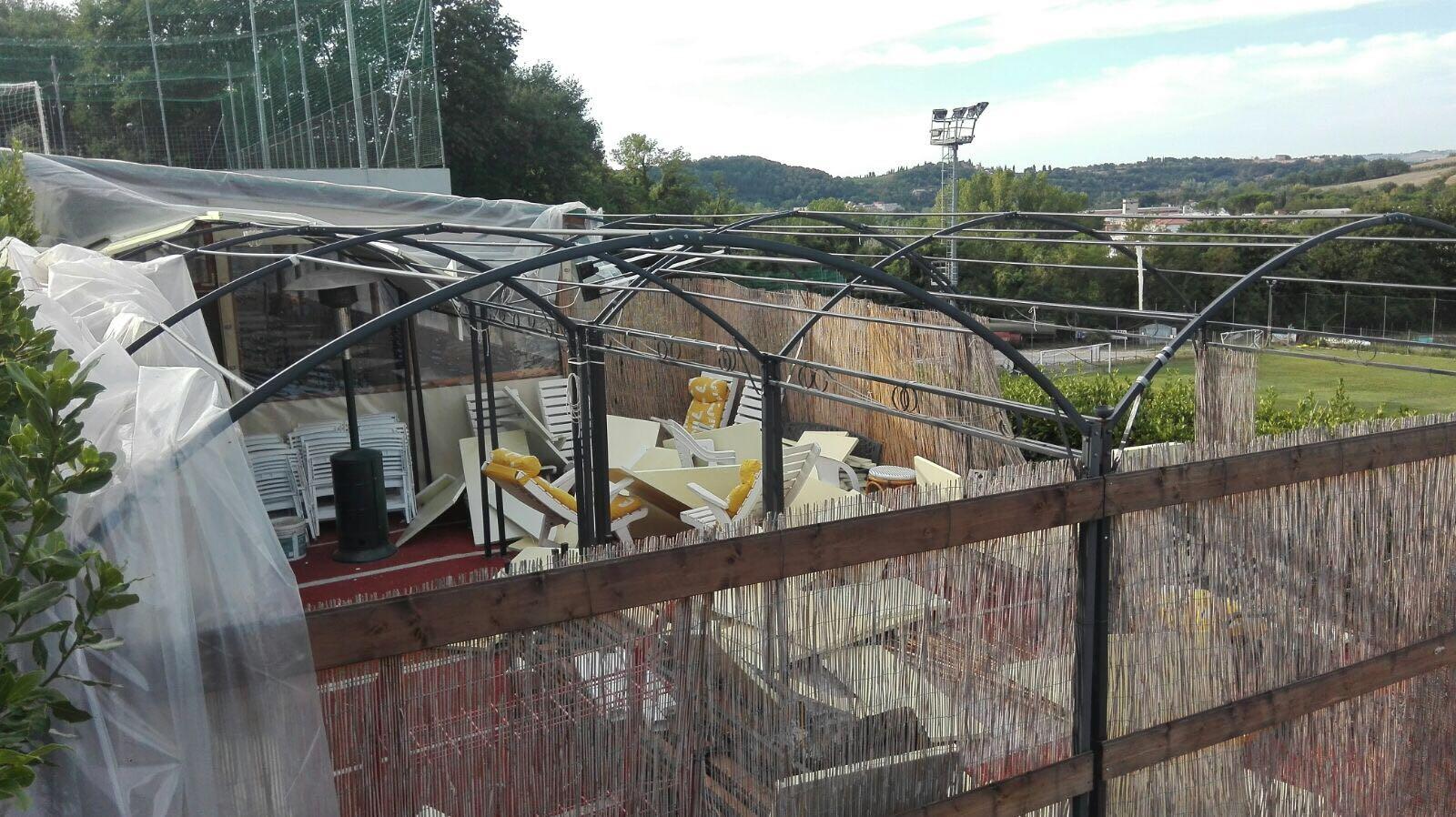 Notti brave: vandali in azione anche negli impianti sportivi di Maltraverso