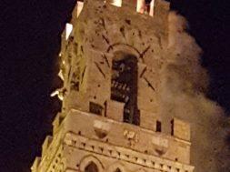 torre brucia