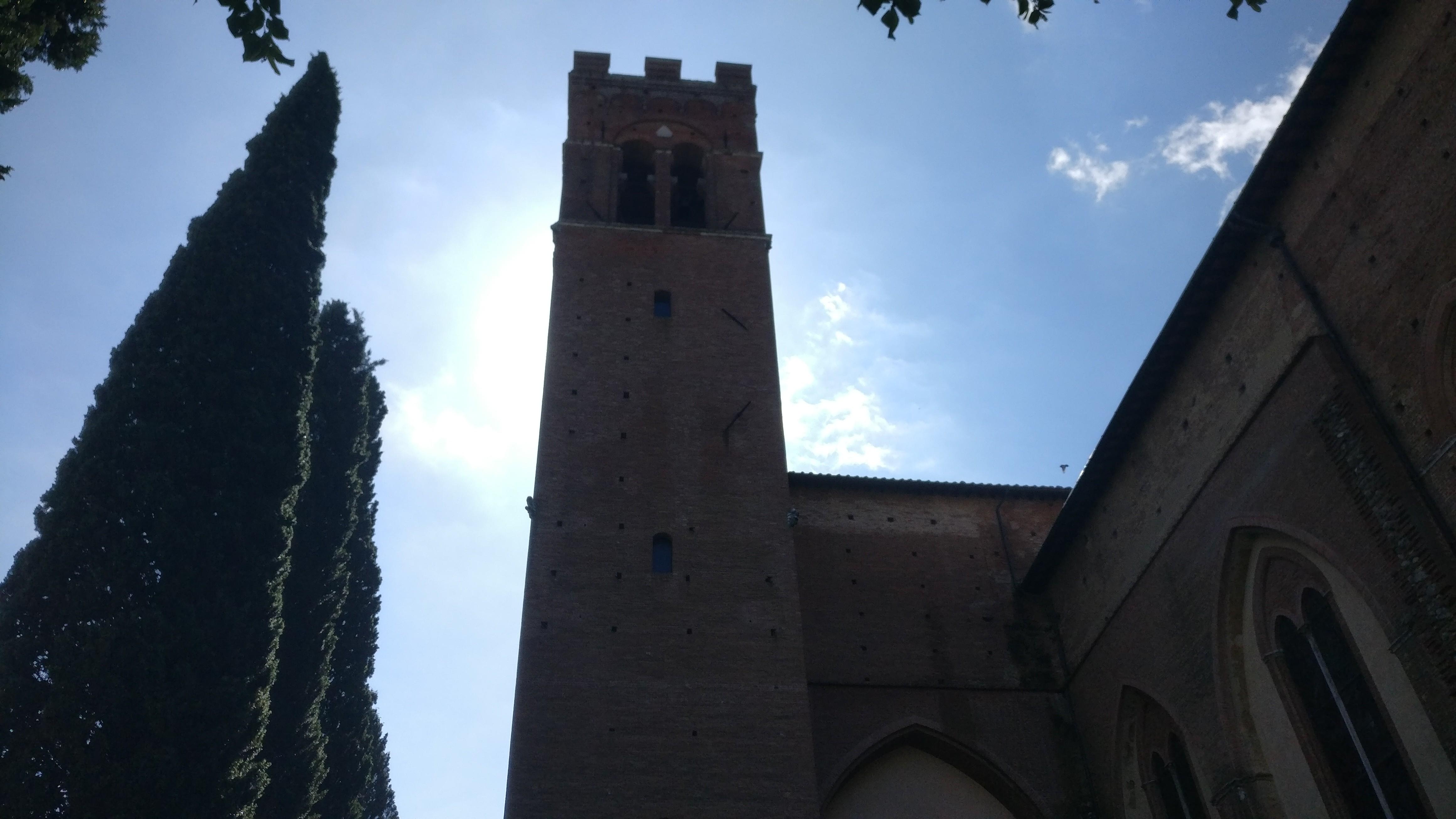In piena notte suonano le campane per un fulmine caduto vicino a San Domenico